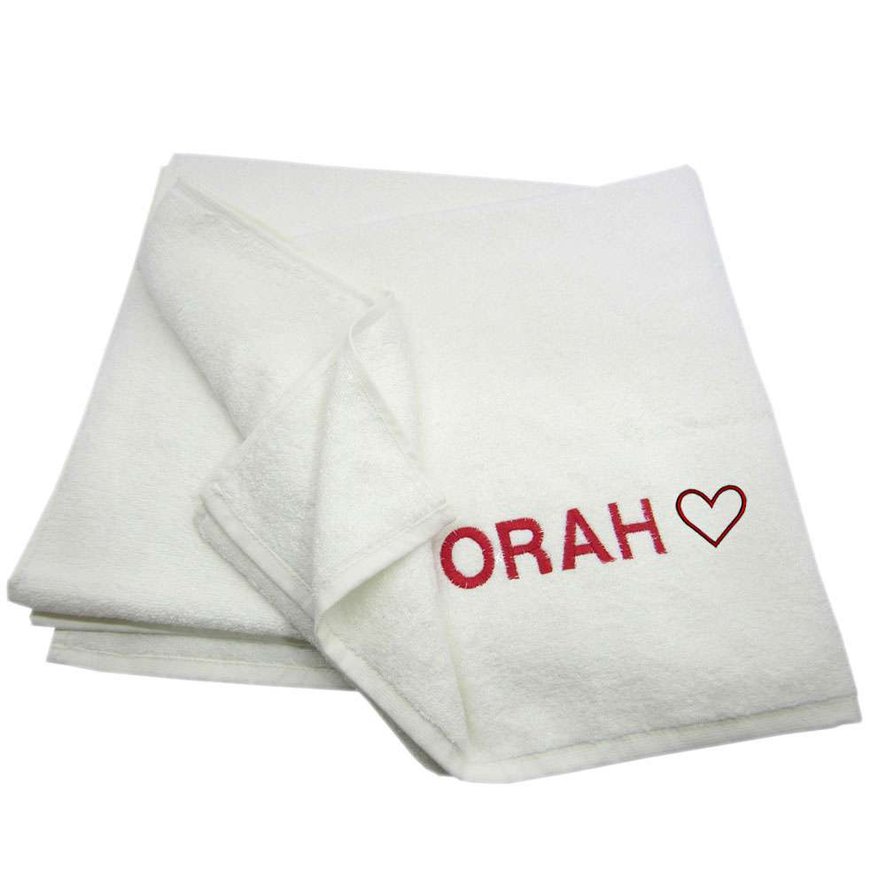Love Themed Bath Towel Custom Name, Special-Design Bath Towel With Heart and Name 100% Cotton 70*140 cm